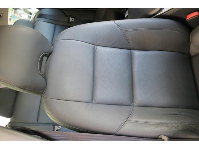 ドライバー席背面