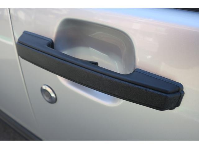 ドライバー側樹脂ハンドル。綺麗です。