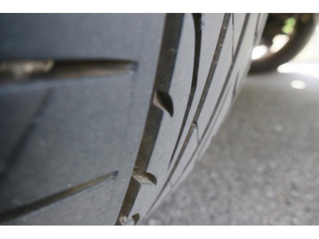 ダンロップ製タイヤを履いております。7分山。このまましばらくお乗りいただけます。