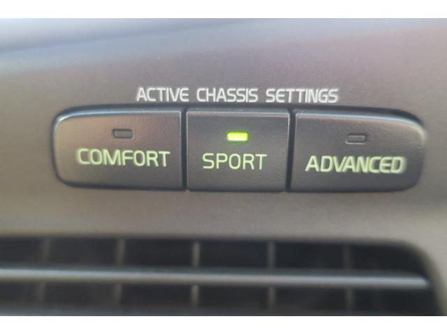マニュアル・モード付、5速AT。