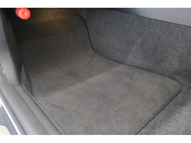 パッセンジャー席フロアーカーペット。