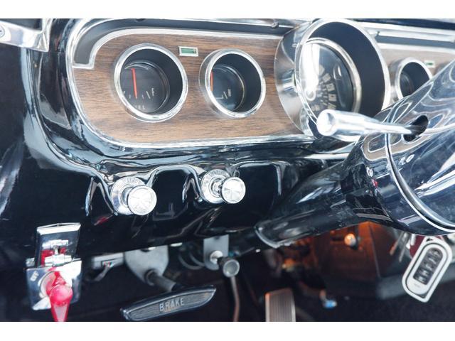 コンバーチブル V8 フルレストア済車両(13枚目)