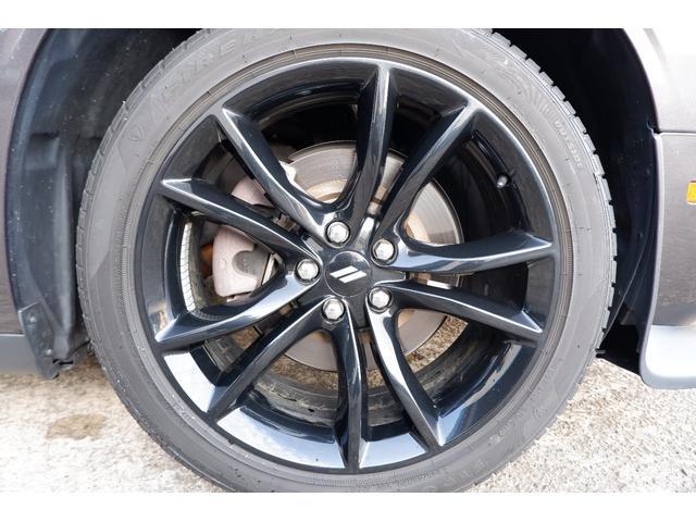 BlackTopパッケージ専用20inchホイール装備、タイヤ残部も十分にございます