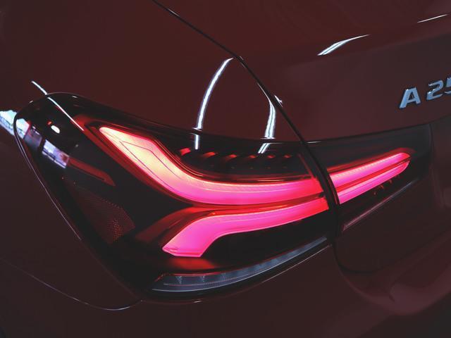 A250 4マチック セダン AMGライン AMGレザーエクスクルーシブパッケージ アドバンスドパッケージ ナビゲーションパッケージ レーダーセーフティパッケージ 2年保証 新車保証(8枚目)