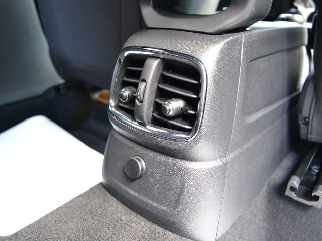 クーパーS クロスオーバー ブラックヒース 認定中古車 ワンオーナー 地デジ付 タッチ式HDDナビ LEDヘッドライト バックカメラ ACC  アラームシステム Dアシスト 18インチAW(19枚目)
