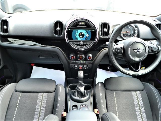 クーパーS クロスオーバー ブラックヒース 認定中古車 ワンオーナー 地デジ付 タッチ式HDDナビ LEDヘッドライト バックカメラ ACC  アラームシステム Dアシスト 18インチAW(28枚目)