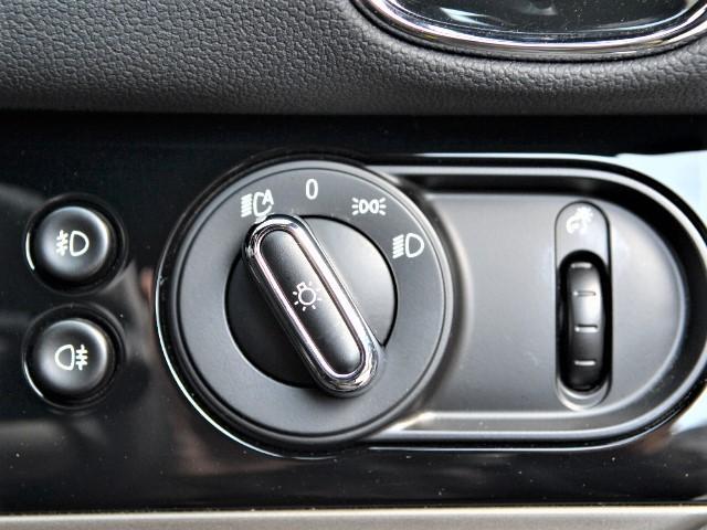 クーパーS クロスオーバー ブラックヒース 認定中古車 ワンオーナー 地デジ付 タッチ式HDDナビ LEDヘッドライト バックカメラ ACC  アラームシステム Dアシスト 18インチAW(44枚目)