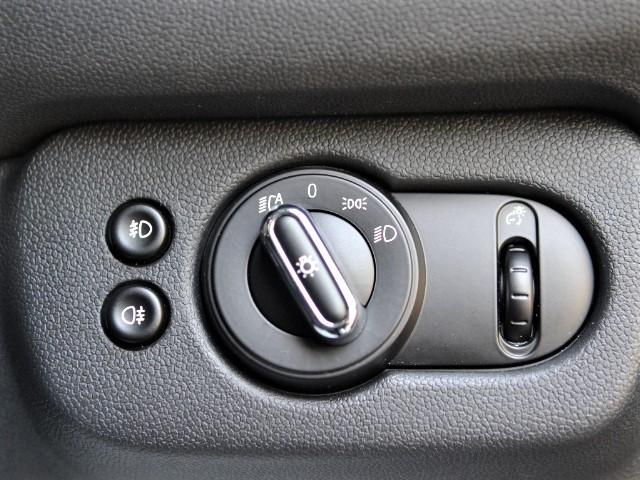 クーパーD クラブマン 認定中古車 ワンオーナー HDDナビ LEDヘッドライト バックカメラ 17インチブラックAW(40枚目)