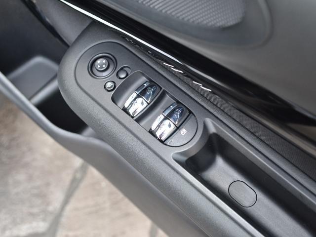 クーパーD クラブマン 認定中古車 ワンオーナー HDDナビ LEDヘッドライト バックカメラ 17インチブラックAW(42枚目)