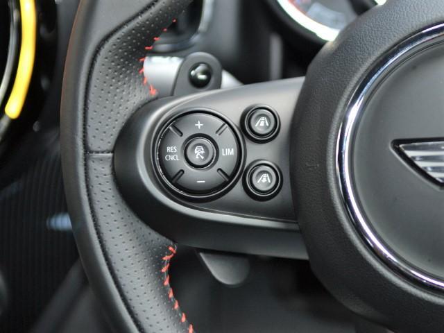 ジョンクーパーワークス クロスオーバー 認定中古車 ワンオーナー 地デジ ハーマンカードンオーディオ タッチ式HDDナビ LEDヘッドライト バックカメラ シートヒーター 19インチAW ドラレコ(31枚目)