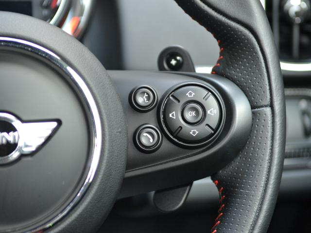 ジョンクーパーワークス クロスオーバー 認定中古車 ワンオーナー 地デジ ハーマンカードンオーディオ タッチ式HDDナビ LEDヘッドライト バックカメラ シートヒーター 19インチAW ドラレコ(32枚目)