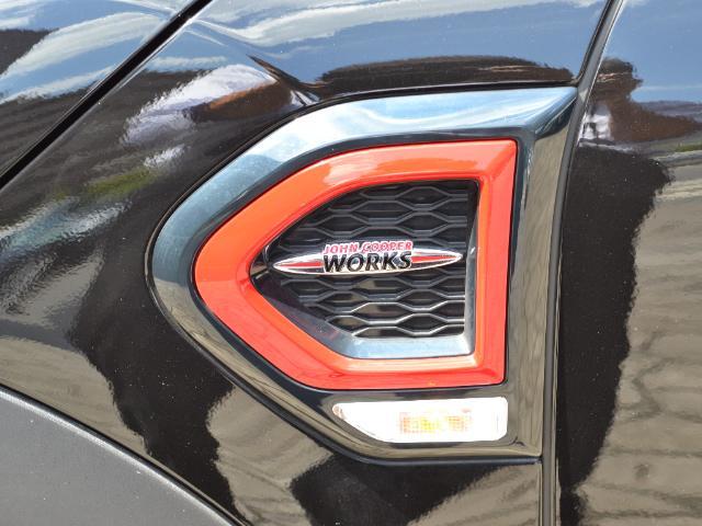 ジョンクーパーワークス クロスオーバー 認定中古車 ワンオーナー 地デジ ハーマンカードンオーディオ タッチ式HDDナビ LEDヘッドライト バックカメラ シートヒーター 19インチAW ドラレコ(57枚目)