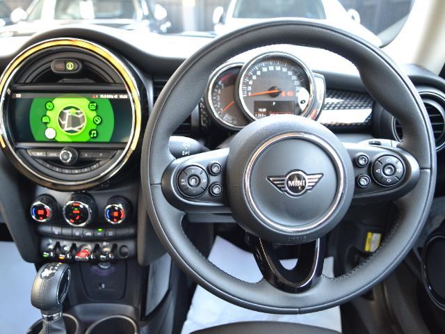 クーパーSD 3ドア 認定中古車 ワンオーナー 地デジ タッチ式HDDナビ LEDヘッドライト バックカメラ SOSコール ACC Dモード Dアシスト 17インチAW ブラックジャックルーフ(24枚目)