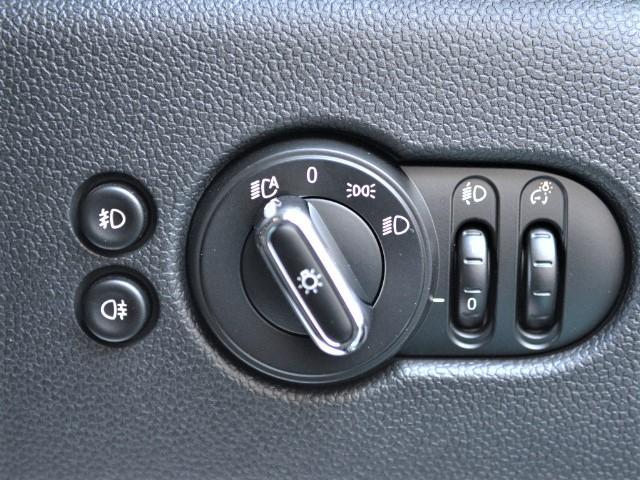 クーパーSD 3ドア 認定中古車 ワンオーナー 地デジ タッチ式HDDナビ LEDヘッドライト バックカメラ SOSコール ACC Dモード Dアシスト 17インチAW ブラックジャックルーフ(42枚目)