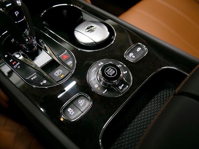「ベントレー」「ベントレー ベンテイガ」「SUV・クロカン」「東京都」の中古車15