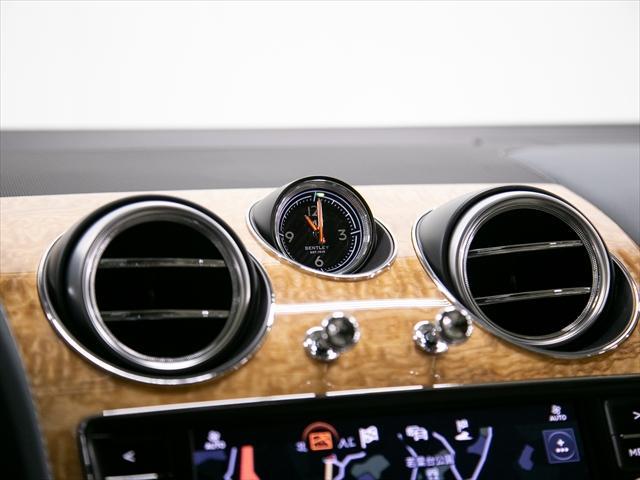 「ベントレー」「ベントレー ベンテイガ」「SUV・クロカン」「東京都」の中古車17