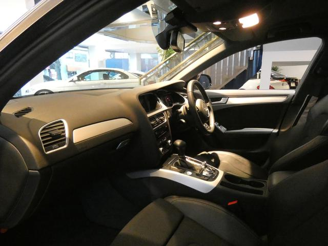 ブラックを基調とした車内にシルバーアルミインテリアトリムを組み合わせたエレガントな雰囲気を演出したインテリアです!TEL:045-844-3737