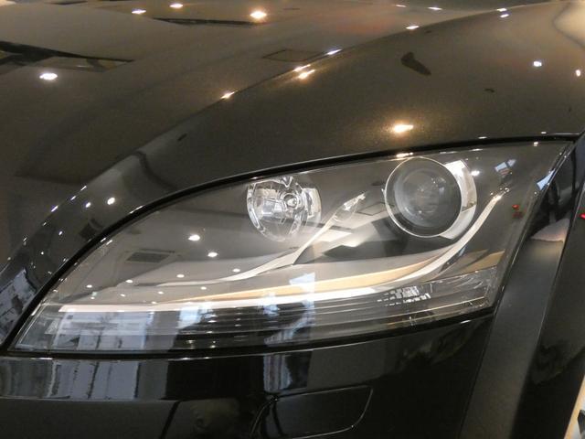 視認性が良くドライバーの運転をサポートするバイキセノンヘッドライトを採用!オートライトシステムも完備しております!TEL:045-844-3737