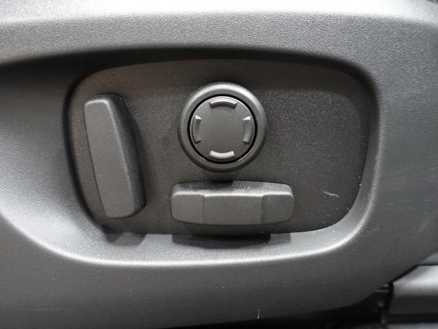 ◆サラウンドカメラシステム車の周囲360°の映像をタッチスクリーンに表示します。宴席沿いの駐車や狭い場所での出入庫等あらゆる状況で運転操作をサポートします