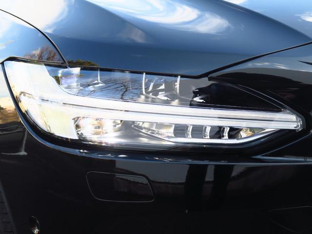 ◆フルLEDヘッドライト『北欧神話に登場するトールハンマーをモチーフにデザイン、現行ボルボの各ラインアップに広く採用されています。オートマチックハイビーム機能も備え機能性・デザイン性が向上しました。』