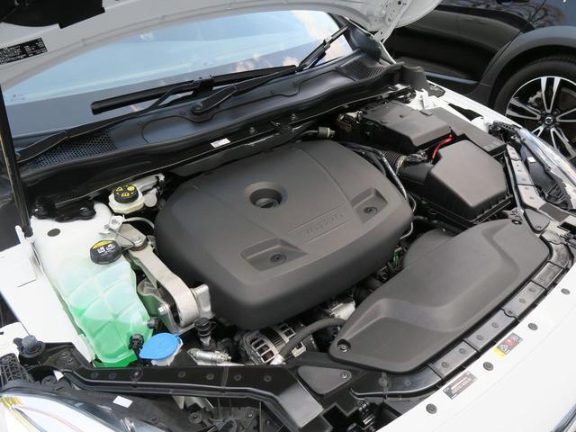 ◆T3エンジン(1.5L直列4気筒直噴ターボエンジン)『排気量を抑えながら、力強いパワーを発揮するまったく新しいボルボのエンジン。ゆとりあるドライビングプレジャーと心地よいドライビングフィールも実現!