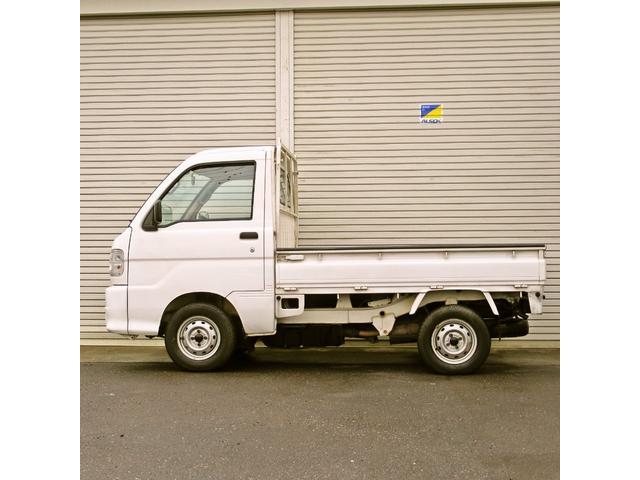 スペシャル 4WD MT 白 ラジオ付き(8枚目)