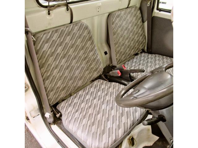 スペシャル 4WD MT 白 ラジオ付き(14枚目)
