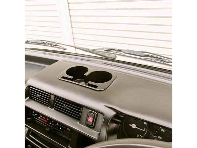 スペシャル 4WD MT 白 ラジオ付き(18枚目)