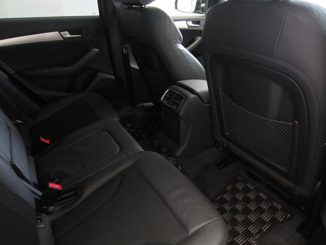 [標準装備]サイドエアバッグ (フロント/リヤ) / サイドガード (フロント/リヤ ヘッドエアバッグ)/ディスクブレーキ (フロント)/フロント フォグランプ/自動ヘッドライトレンジコントロール