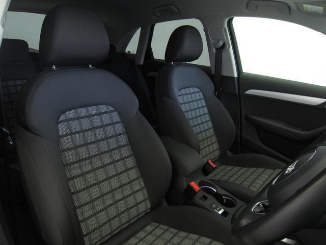 [標準装備]高さ調整機能 (フロント)/エナジークロス/スポーツシート/スポーツシート (フロント)/トランクスルー機能/ランバーサポート 4ウェイ/TVチューナー/音声認識機能