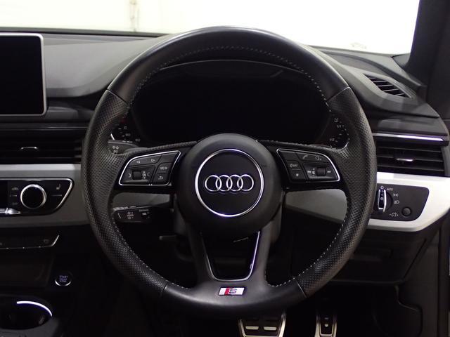 ステアリングホイール 3スポーク レザー マルチファンクション/Audi connect セーフティ&サービス/Audi スマートフォンインターフェイス/ハンズフリー (Bluetooth)