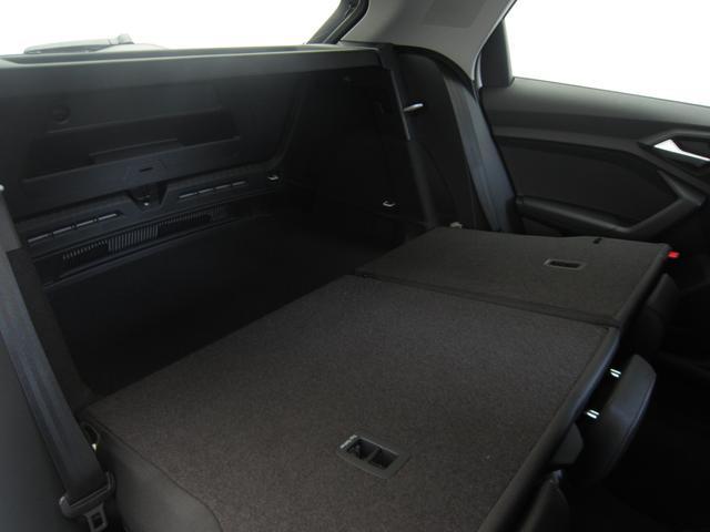「アウディ」「A1スポーツバック」「コンパクトカー」「東京都」の中古車17