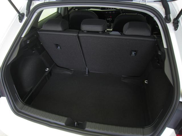 「アウディ」「A1スポーツバック」「コンパクトカー」「東京都」の中古車18