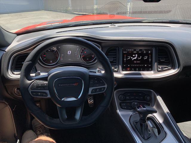 RTスキャットパック ワイドボディ テクノロジーPKG プラスPKG ドライバーコンビニエンスPKG ハーマンカードオーディオシステム シートヒーター&ベンチレーション APPLEカープレイ&アンドロイドオート(9枚目)