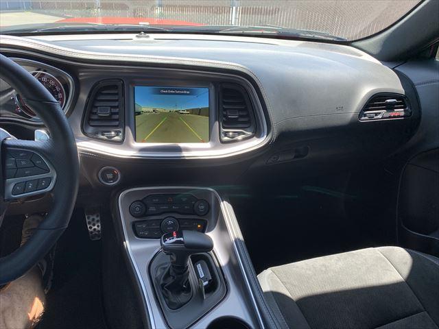 RTスキャットパック ワイドボディ テクノロジーPKG プラスPKG ドライバーコンビニエンスPKG ハーマンカードオーディオシステム シートヒーター&ベンチレーション APPLEカープレイ&アンドロイドオート(10枚目)