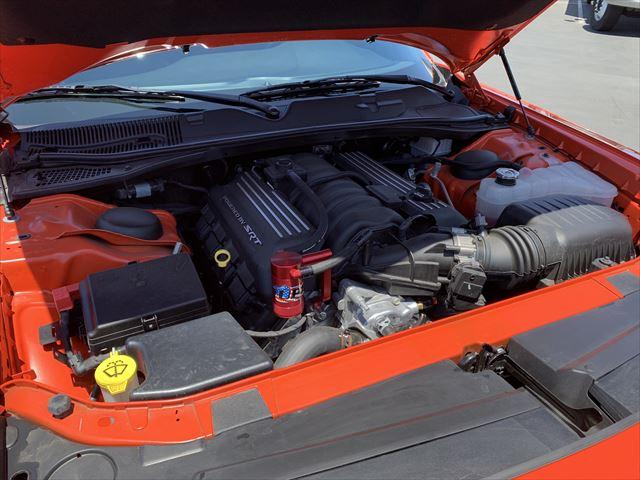 RTスキャットパック ワイドボディ テクノロジーPKG プラスPKG ドライバーコンビニエンスPKG ハーマンカードオーディオシステム シートヒーター&ベンチレーション APPLEカープレイ&アンドロイドオート(20枚目)