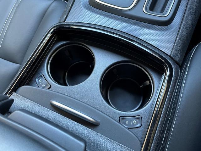 300S 正規ディーラー車 ブラックレザーシート シートヒーター&ベンチレーション アダプティブクルーズコントロール バックカメラ ナビ&地デジ(9枚目)