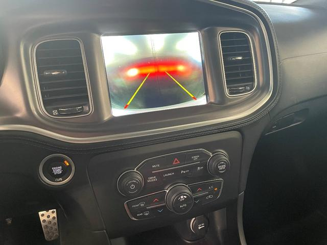 RTスキャットパックプラス プラスGRP ダイナミクスPKG ドライバーコンビニエンスPKG パワーサンルーフ シートヒーター&ベンチレーション  APPLEカープレイ&アンドロイドオート 純正20インチAW(8枚目)