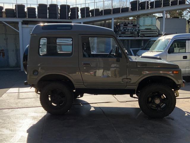 5MT 4WD リフトアップ パノラミックルーフ 16AW(4枚目)
