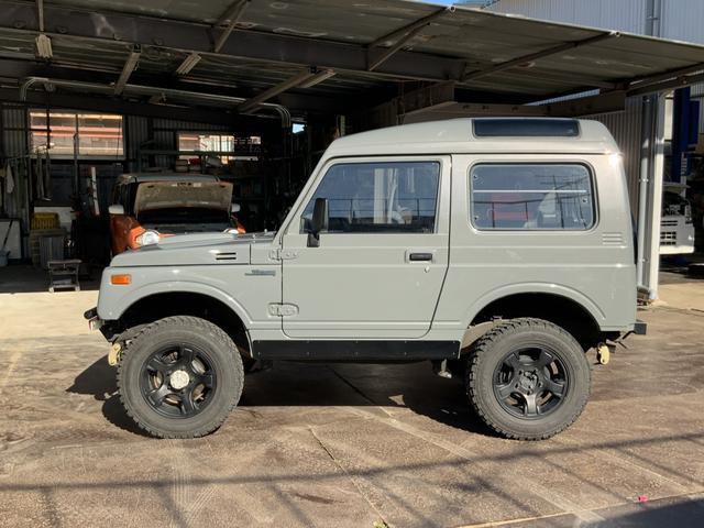 5MT 4WD リフトアップ パノラミックルーフ 16AW(8枚目)