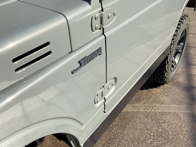 5MT 4WD リフトアップ パノラミックルーフ 16AW(9枚目)