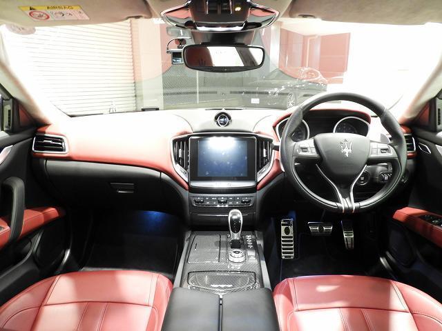 S グランスポーツ 認定中古車保証付き(7枚目)