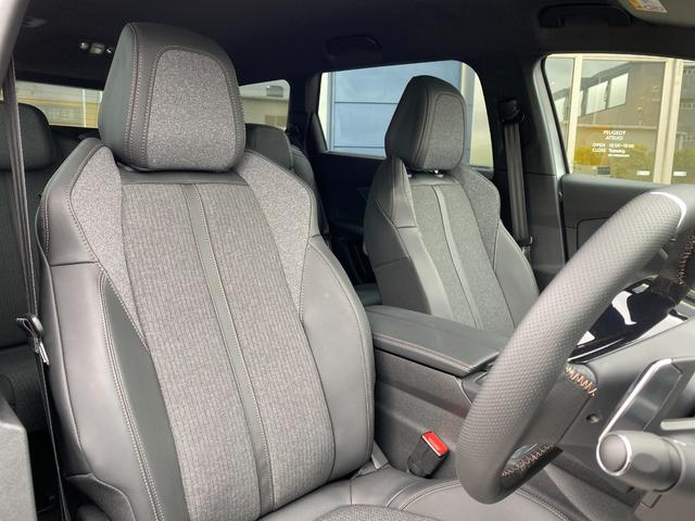 GTライン ブルーHDi アイドリングストップ スマートキー 新車保証付 パワーシート サンルーフ(14枚目)