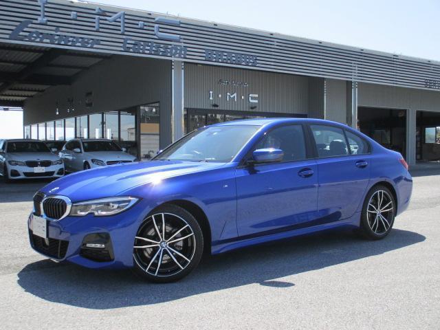 BMW 320i Mスポーツ 黒革シート
