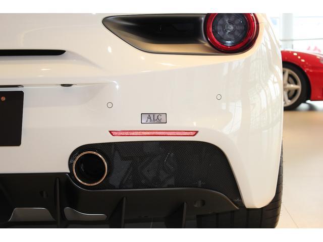 フェラーリ フェラーリ 488GTB OP約530万 走行距離629km ツートンエクステリア