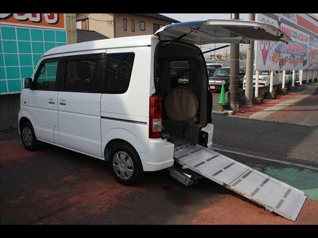 スズキ 車イス移動車スローパーリヤシート付電動ウインチ電動固定式