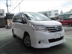 沖縄の中古車 日産 セレナ 車両価格 99万円 リ済別 平成23年 9.8万K ホワイト