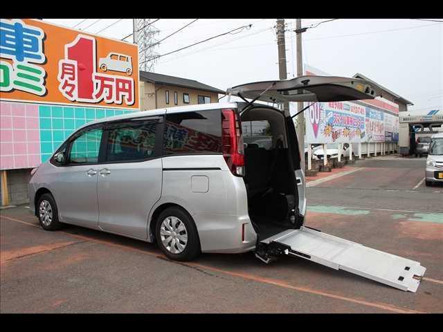 トヨタ 車イス仕様スローパータイプI電動ウインチ純正ナビTVBカメラ
