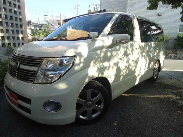 沖縄の中古車 日産 エルグランド 車両価格 59万円 リ済別 2008(平成20)年 13.7万km ホワイトパール3P