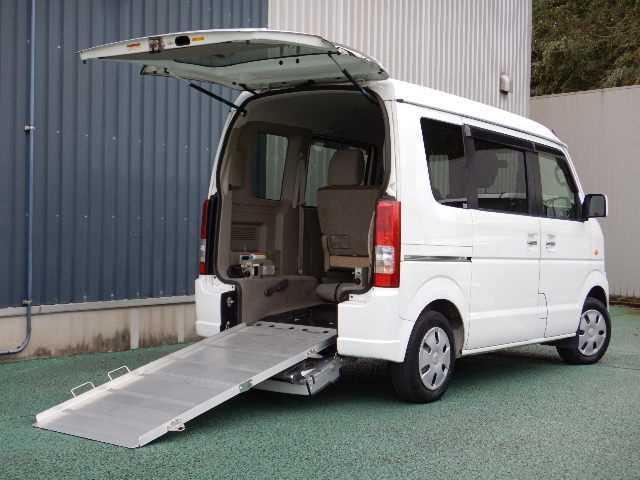 スズキ 車椅子移動車 後部電動固定 リヤシート付 両側スライドドア